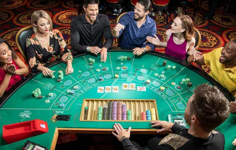 Pros and Cons of Playing Live Casino Games Online
